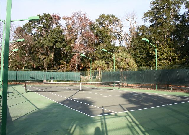 Free Tennis on 6 Tennis Courts