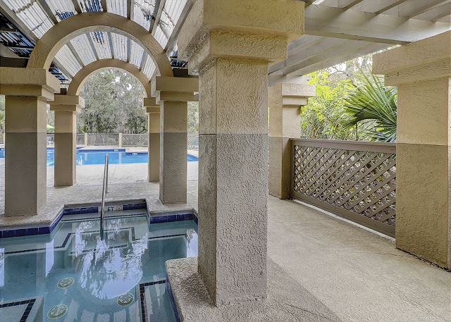 Colonnade Club 196 - Pool and Spa - HiltonHeadRentals.com