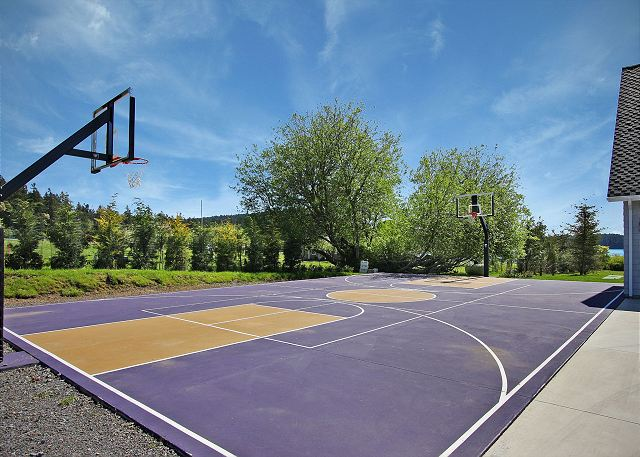 Friday harbor wa united states seascapes estate san for Personal basketball court