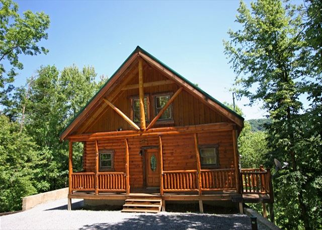 Mountain Elegance is a perfect log cabin for a honeymoon or anniversary!!