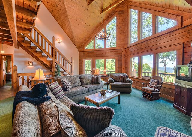 Majestic in Gated Smoky Mountain Retreat - Laurel Heights