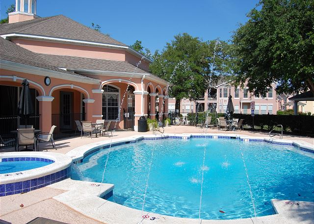 Front Pool with Hot Tub