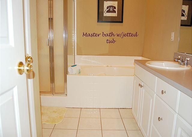 Master Bathroom w.jetted tub