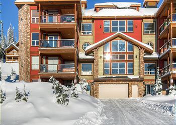 Big White Condominium rental - Exterior Photo - Snowbird Lodge Front