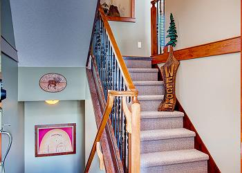 Big White Townhouse rental - Interior Photo - Entrance Stairs Blacksmiths 7