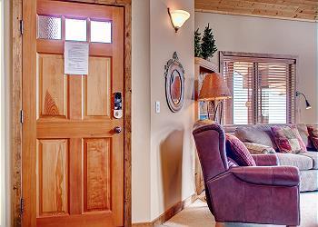 Big White Condominium rental - Interior Photo - North 201