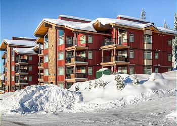 Big White Condominium rental - Exterior Photo - Raven Front winter