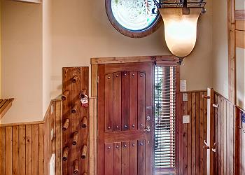 Big White House rental - Interior Photo - Front Door