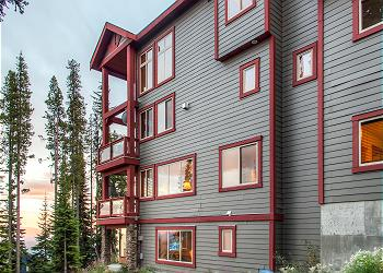 Big White Townhouse rental - Exterior Photo - Snowbanks 4