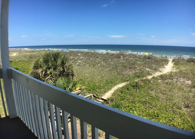 Spacious Oceanfront 3 bedroom North Myrtle Beach condo with kitchen & washer/dryer.