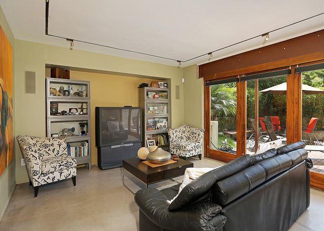 sitting room with view to Zen garden