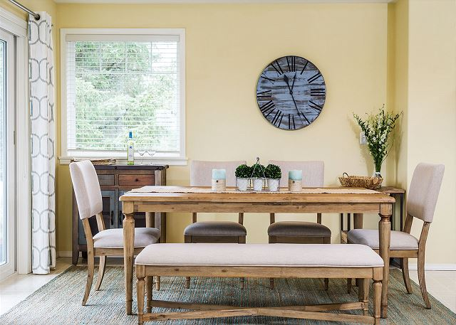 Dining room table with seating for 8 (extra chair available)