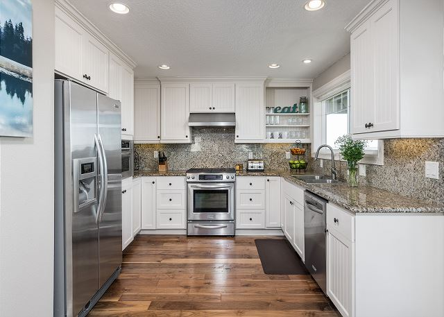 Exceptionally well-stocked kitchen