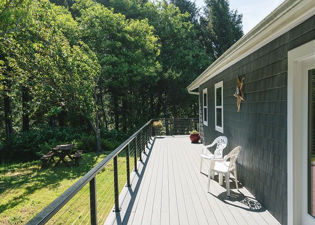 Private Yard with Picnic Table