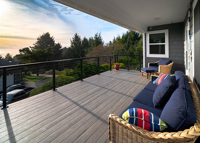 Covered porch - perfect ocean viewing, rain or shine