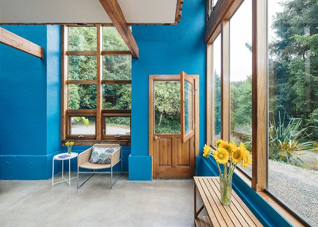 The atrium gets nice and toasty with all the windows so throw open the dutch door and let that fresh ocean air in!