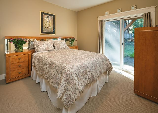 Ground floor bedroom with direct access to the back yard