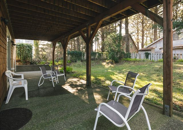 Large covered patio at the backyard means outdoor space even in less than sunny days