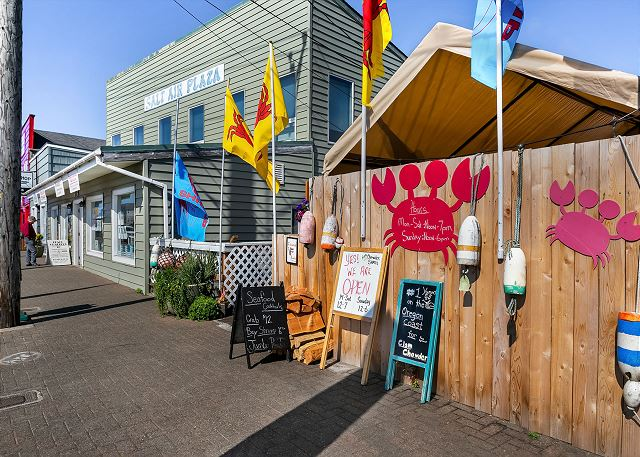 Rockaway is on old-fashioned seaside town, 20 minutes from Manzanita and 35 minutes from Cannon Beach