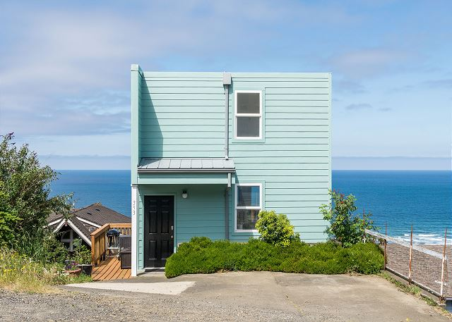 Welcome to Blue Horizon! Perched in the hills above Rockaway, you are less than a mile from the sandy beach