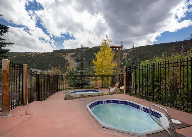 Shared Hot Tubs with Slope Views