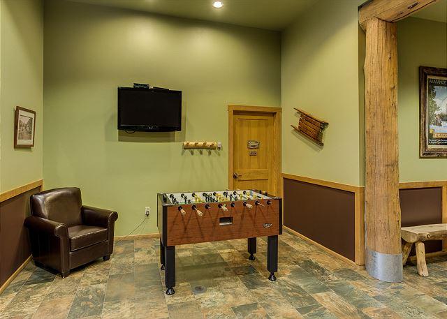 Arapahoe Lodge Lobby