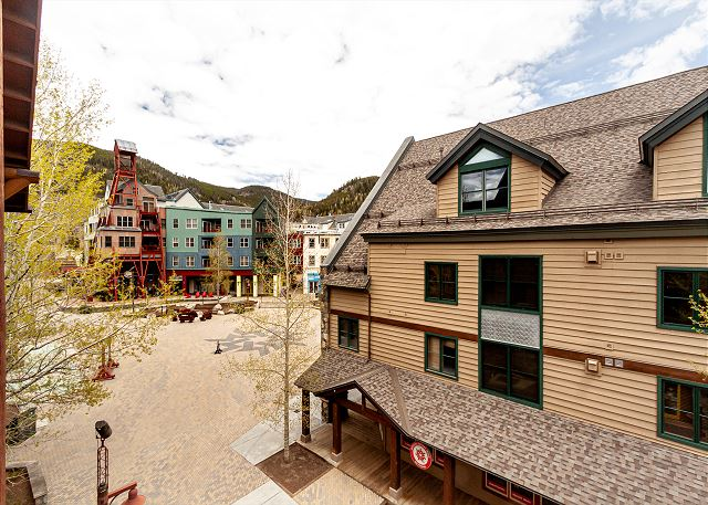 The main balcony is off the dining area and features beautiful slope views as well as views of River Run Village.