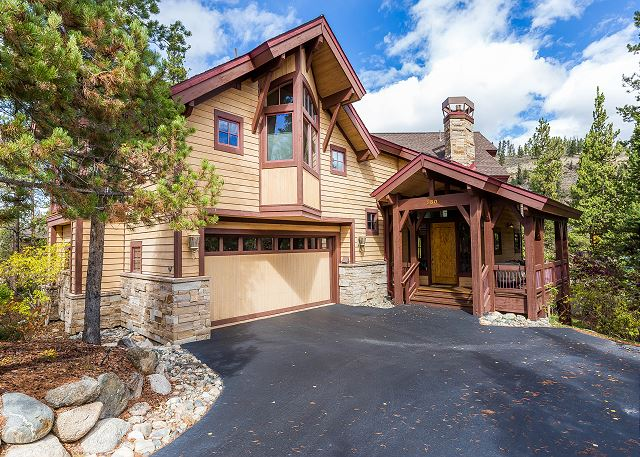 A beautiful mountain home in West Keystone.