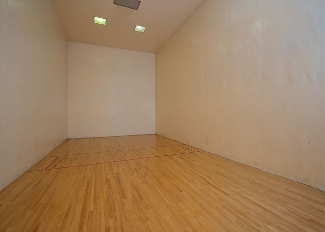 Clubhouse Racquetball Court