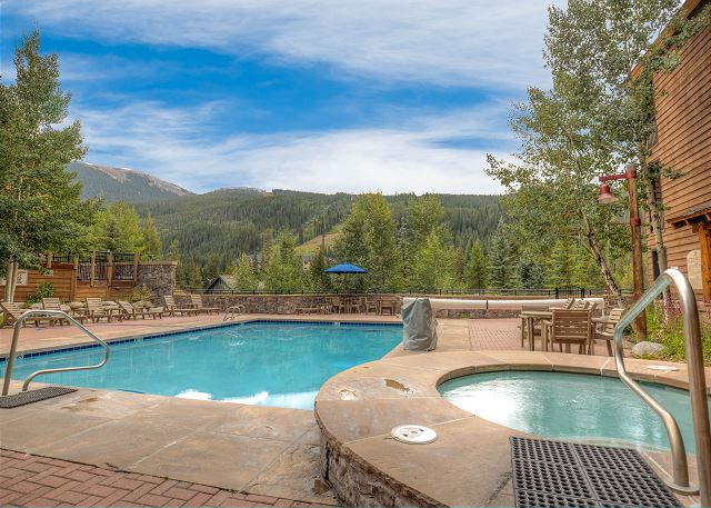 Guests of Trappers Crossing have access to the shared pool and hot tubs at Dakota Lodge in River Run Village.