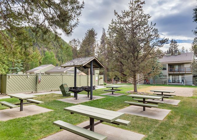 Guests of Keystone Gulch has access to the shared amenities at nearby Flying Dutchman.