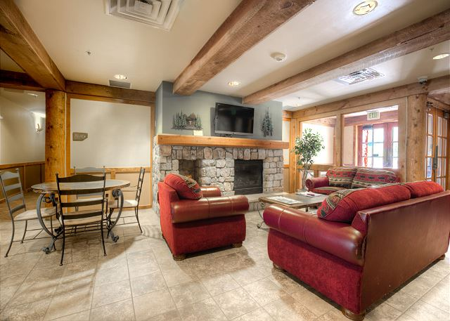 Dakota Lodge Lobby