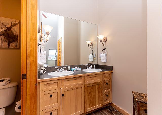 Second Bedroom En Suite Bathroom