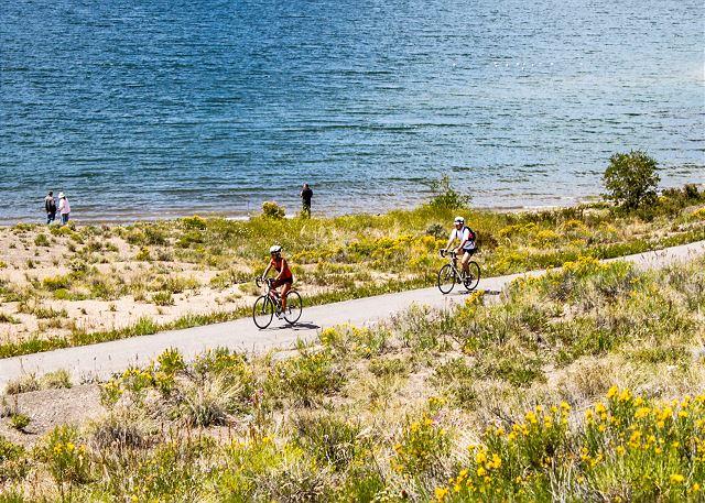 Biking path around Keystone Lake
