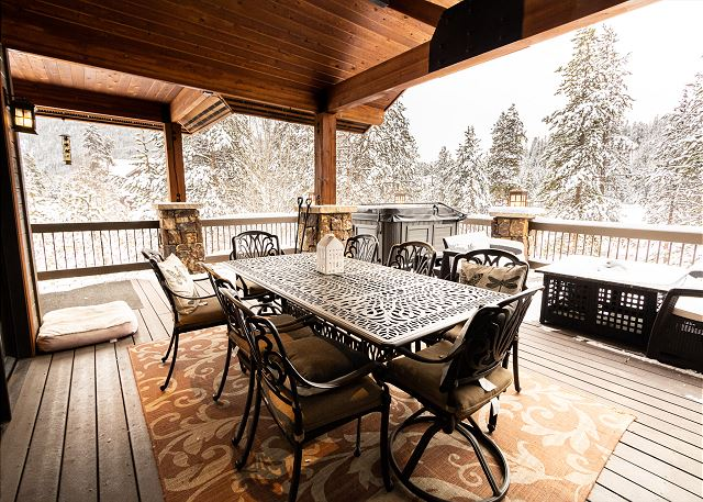 Private deck off the living area in winter