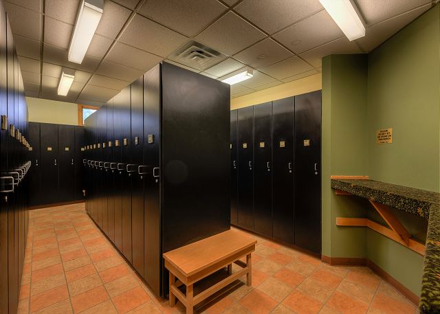 Expedition Station ski lockers
