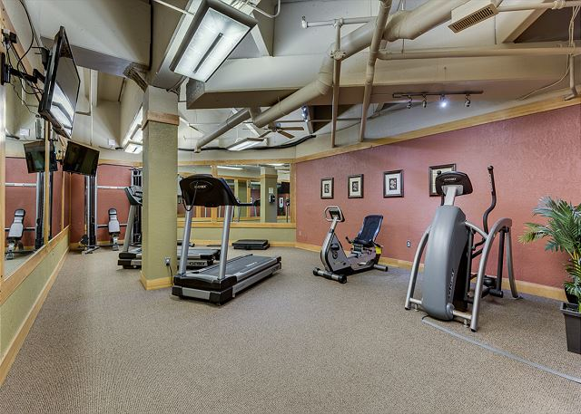 Guests of Buffalo Lodge have access to the shared fitness facilities at Silver Mill.