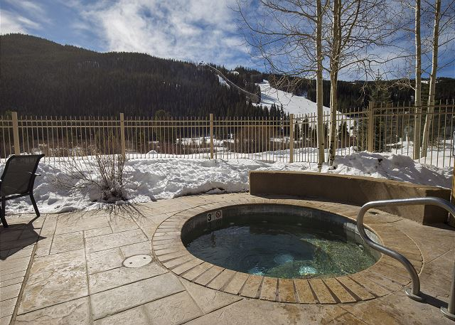 Red Hawk Lodge Shared Hot Tubs