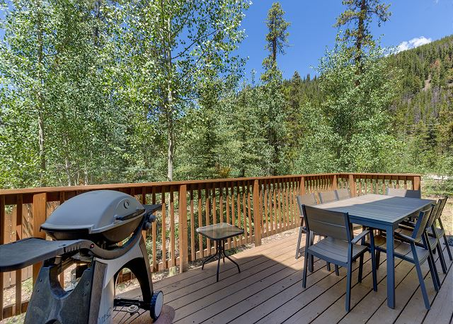 Spacious Private Deck with Beautiful Views