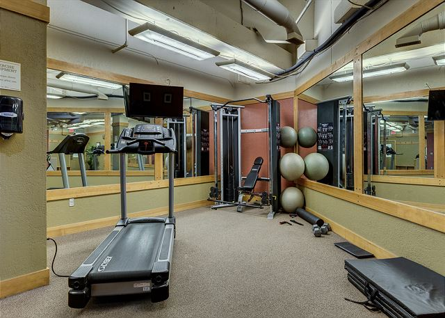 Guests of Dakota Lodge have access to the shared fitness facilities at Silver Mill.
