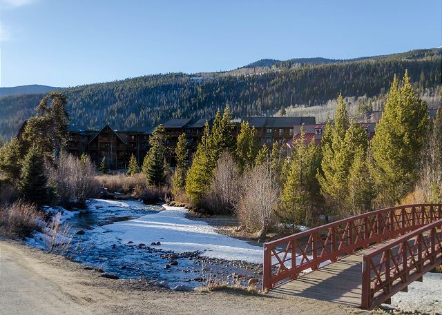 Pedestrian bridge outside Slopeside allowing access across Snake River.