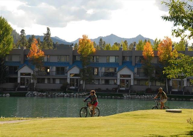 The bike path runs south of Keystone Lake and throughout the entire resort and Summit County.