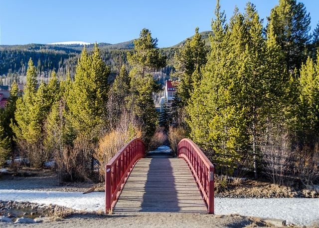 Pedestrian bridge outside Slopeside where guests can access the other shops and restaurants in the Mountain House Base Area.