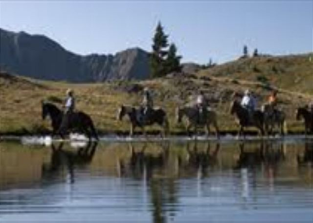 Enjoy a horseback riding during your stay in Keystone.