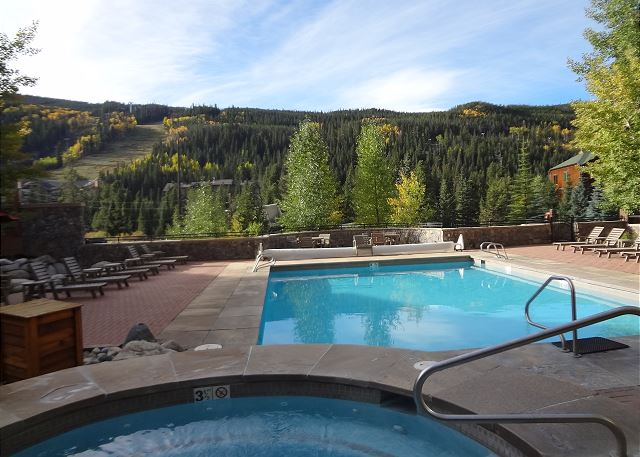 Guests have access to the shared pool and hot tubs at Dakota Lodge.