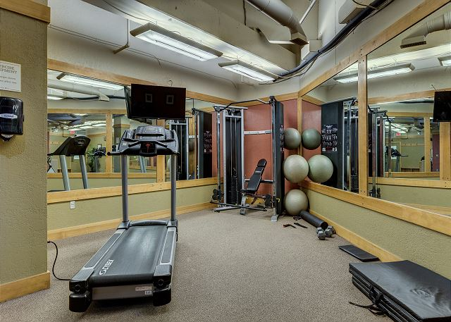 Guests of Dakota Lodge have access to the fitness facilities at Silver Mill.