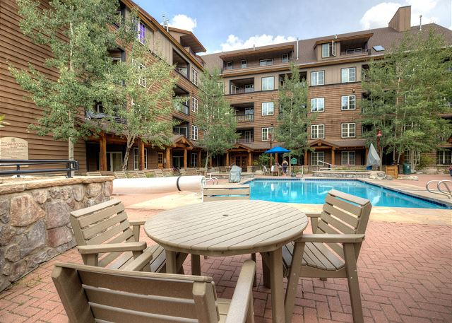 Dakota Lodge features the largest pool in Keystone.
