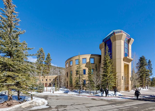 The Keystone Conference Center is a short six-minute walk away.