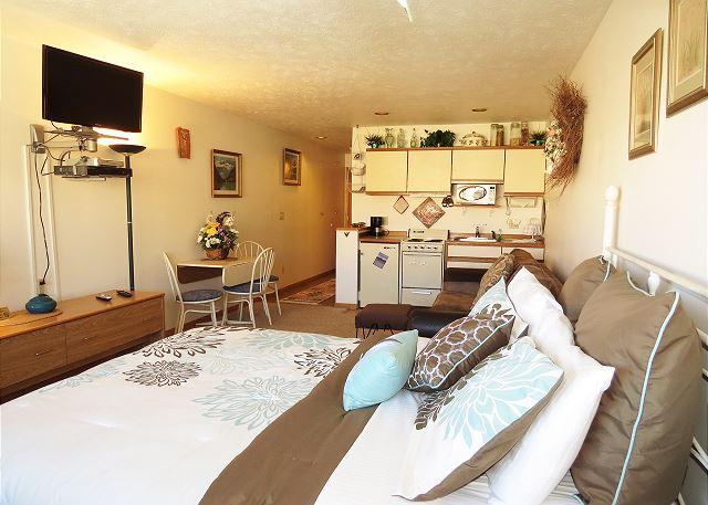 Cedar Lodge 204