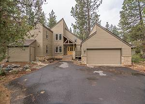 Forest #9 - 6 Bedrooms 4 1/2 Bath Large Chef's Kitchen with Air Conditioning